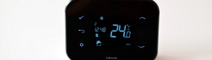 SALUS IT500 review: termostat controlat prin internet