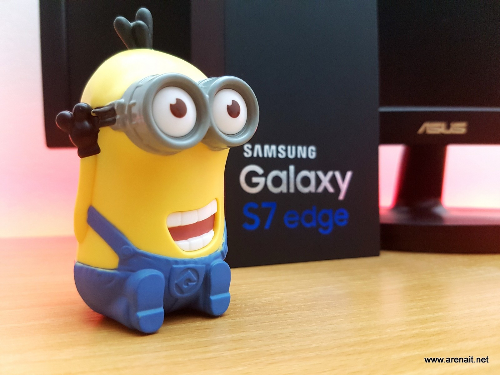 Oferta zilei: Samsung Galaxy S7 Edge la 2198 lei