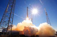 SpaceX a lansat primii doi sateliti de test pentru internet din proiectul Starlink