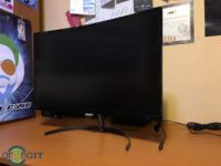 Philips 278E8 – monitor curbat cu panou VA
